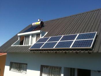 Paneles solares en techos de casas